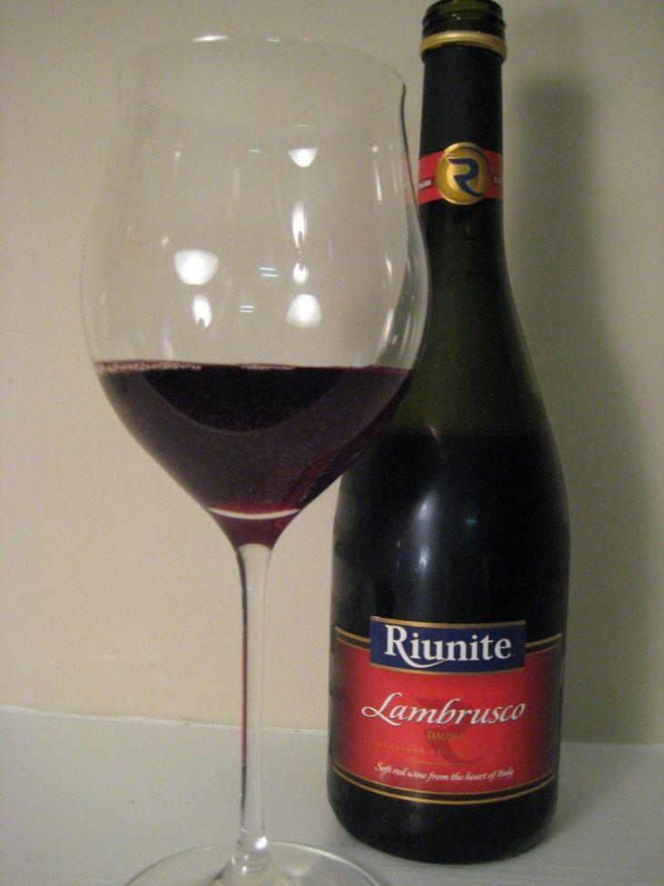 картинка вино ламбруско два