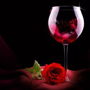Вино из розы: 2 вкуснейших рецепта в домашних условиях